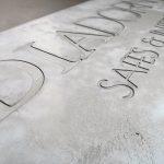 firmenschild_aus_beton_messoni