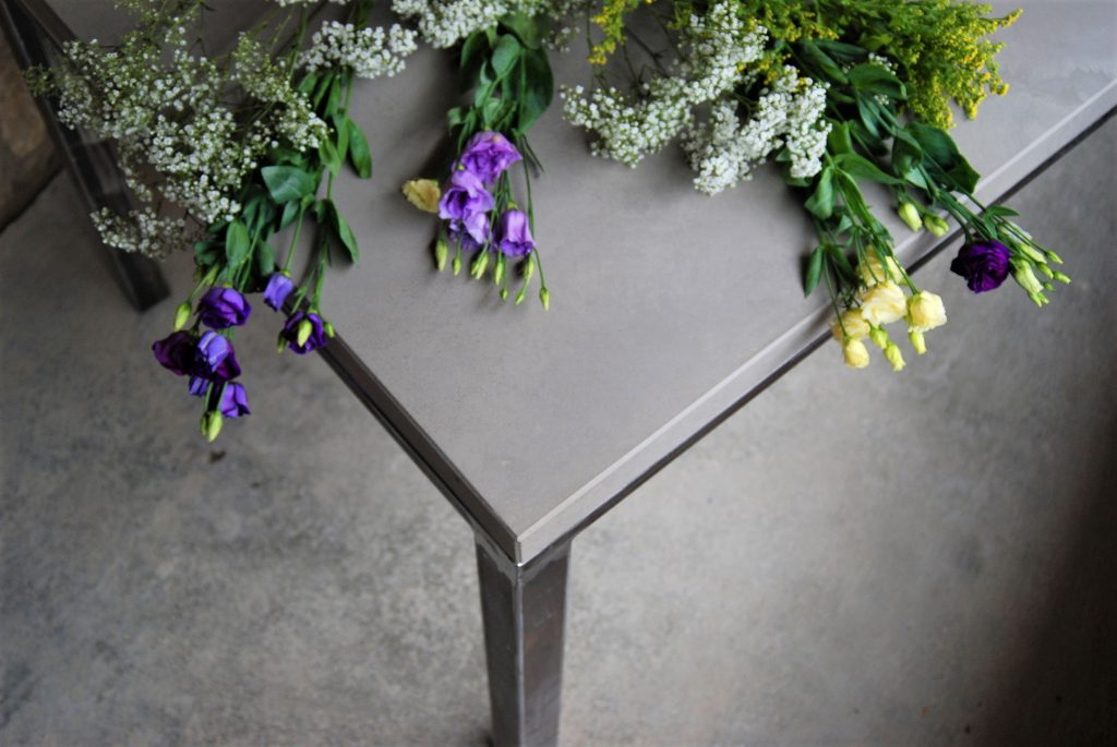 betonarbeitsplatte,beton arbeitsplatte,betontischplatte,beton tischplatte,betonmöbel von messoni