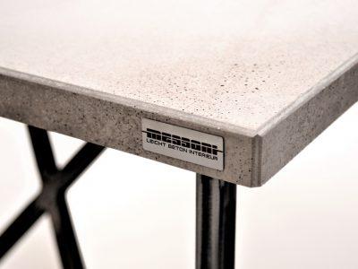 betontisch,betontischplatte,beton tischplatte,betonarbeitsplatte,beton arbeitsplatte von messoni